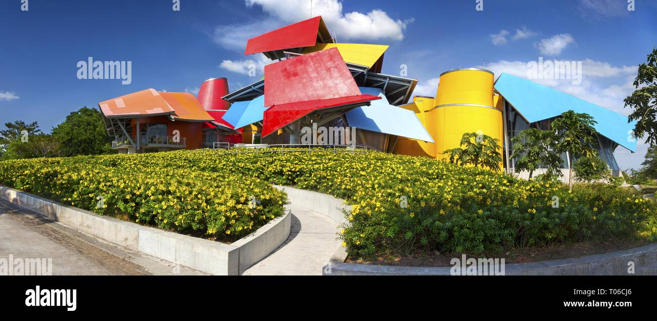 wide-panoramic-view-of-biomuseo-a-museum