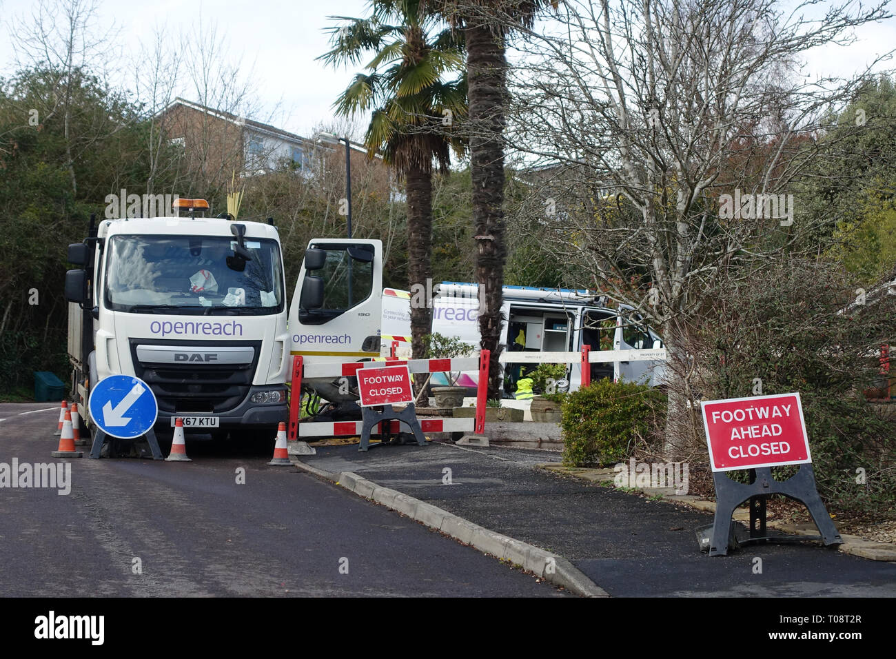 openreach-contractors-working-to-repair-