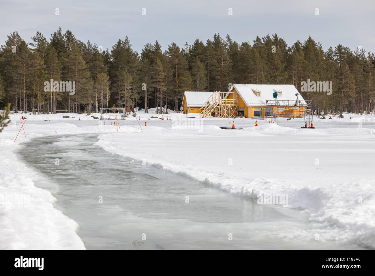 hakadal-norway-24th-march-2019-final-preparations-taking-place-ready-to-start-filming-the-25th-james-bond-film-in-the-forest-north-of-oslo-norway-credit-paul-smithalamy-live-news-T188A6.jpg