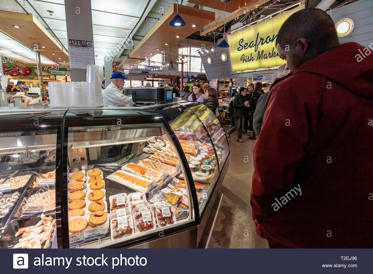 shopping-for-groceries-in-st-lawrence-ma