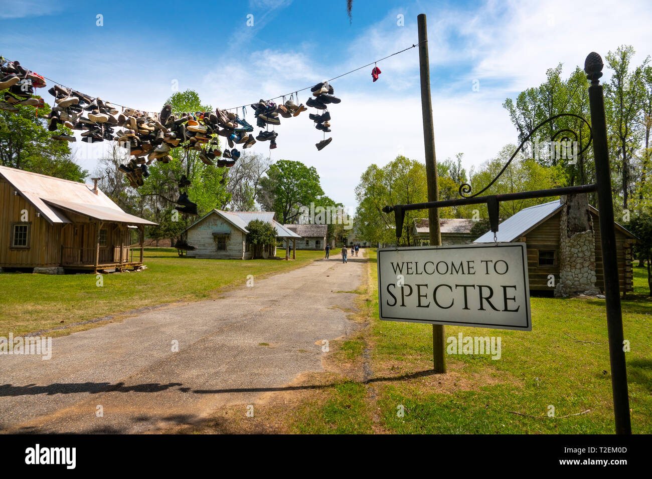 usa-montgomery-alabama-gun-chute-island-the-town-of-spectre-movie-set-for-the-tim-burton-film-called-big-fish-T2EM0D.jpg