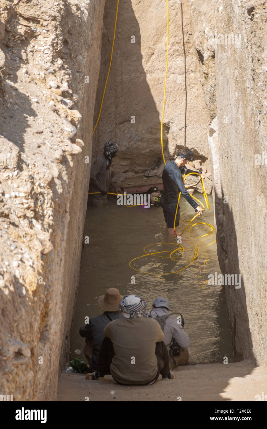 nuri-sudan-february-9-2019-excavations-at-pyramids-near-the-nile-below-the-groundwater-table-english-archaeologists-at-work-T2X6E8.jpg