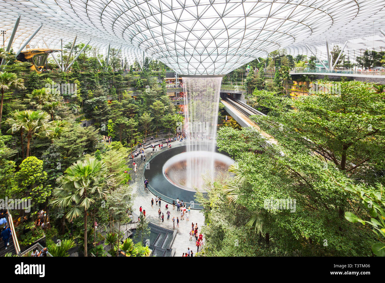 jewel-changi-airport-singapore-T3TM06.jp