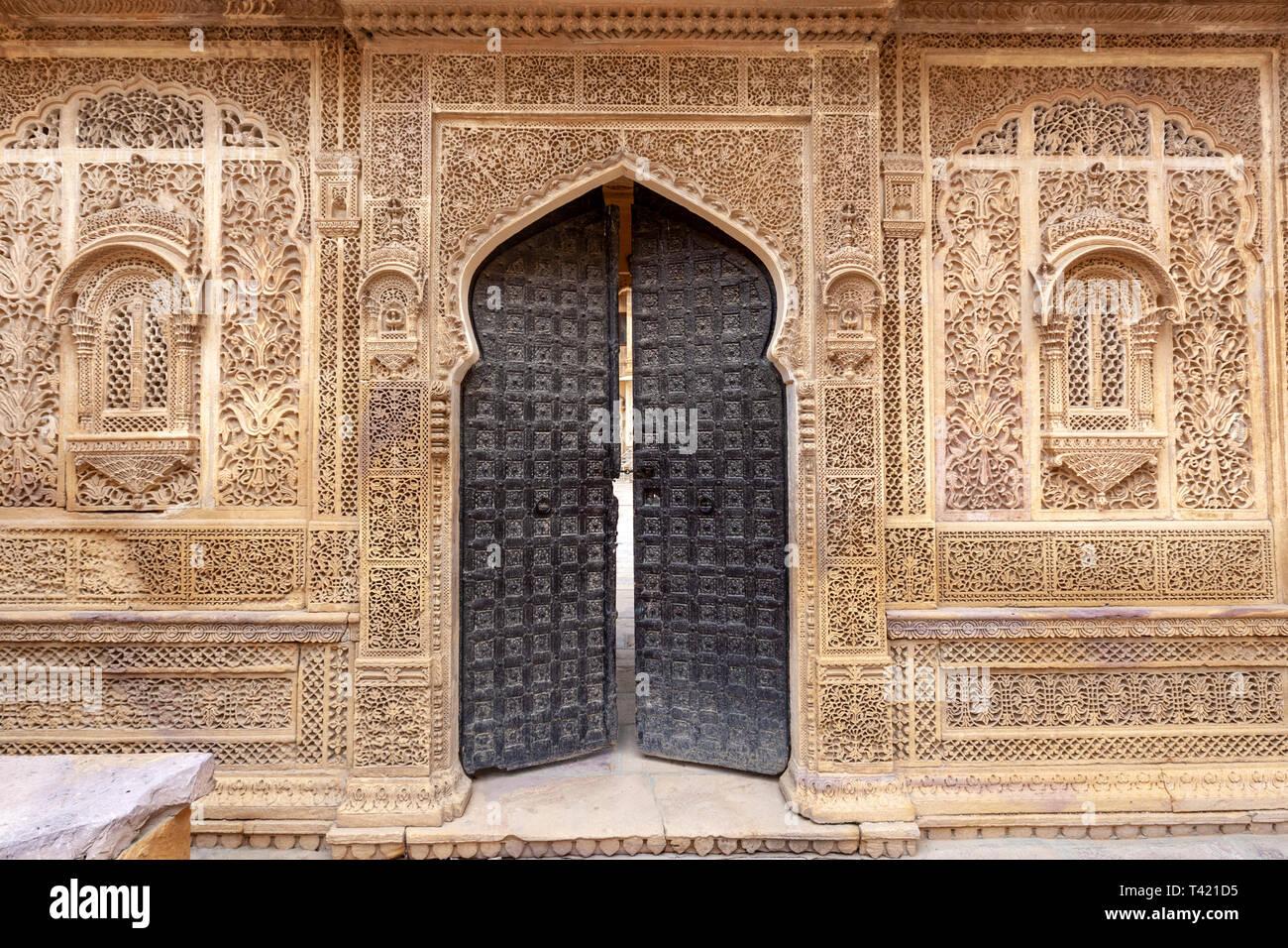 mandir-palace-darbar-hall-and-ornate-san