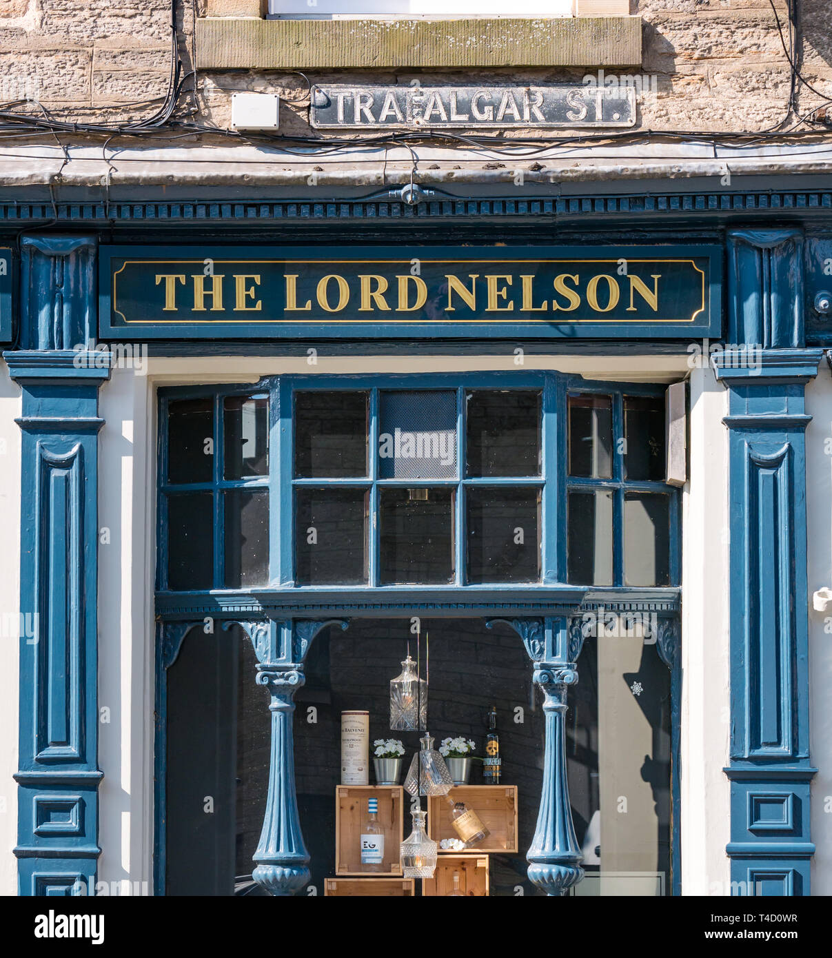 front-of-the-lord-nelson-pub-trafalgar-s