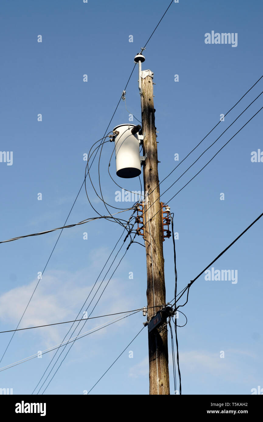 wooden-utility-pole-with-wires-and-elect