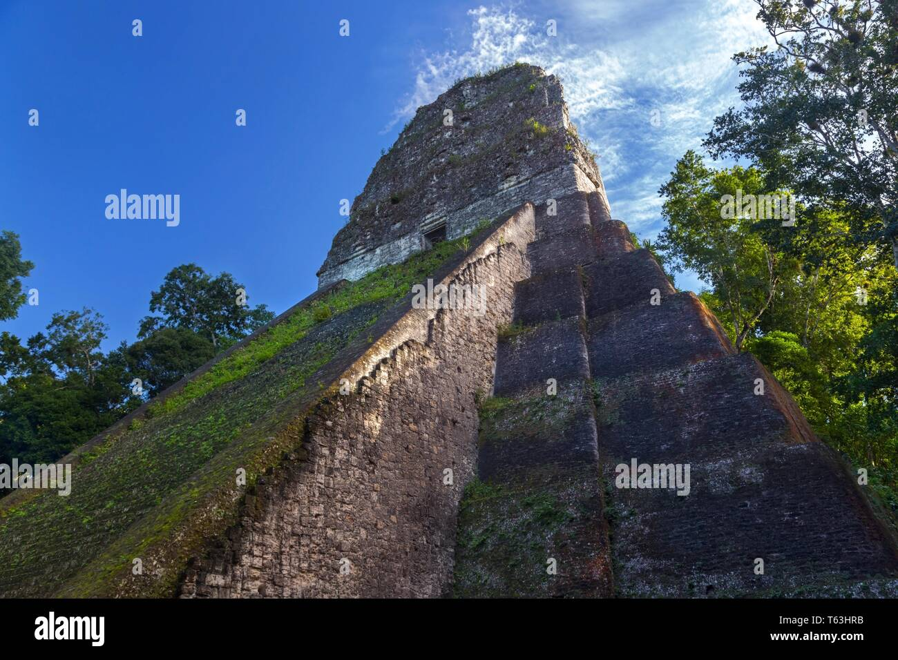 side-view-of-ancient-mayan-pyramid-ruins
