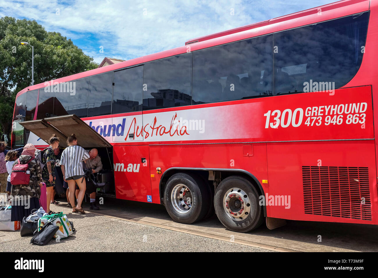 people-boarding-a-greyhound-bus-in-darwi