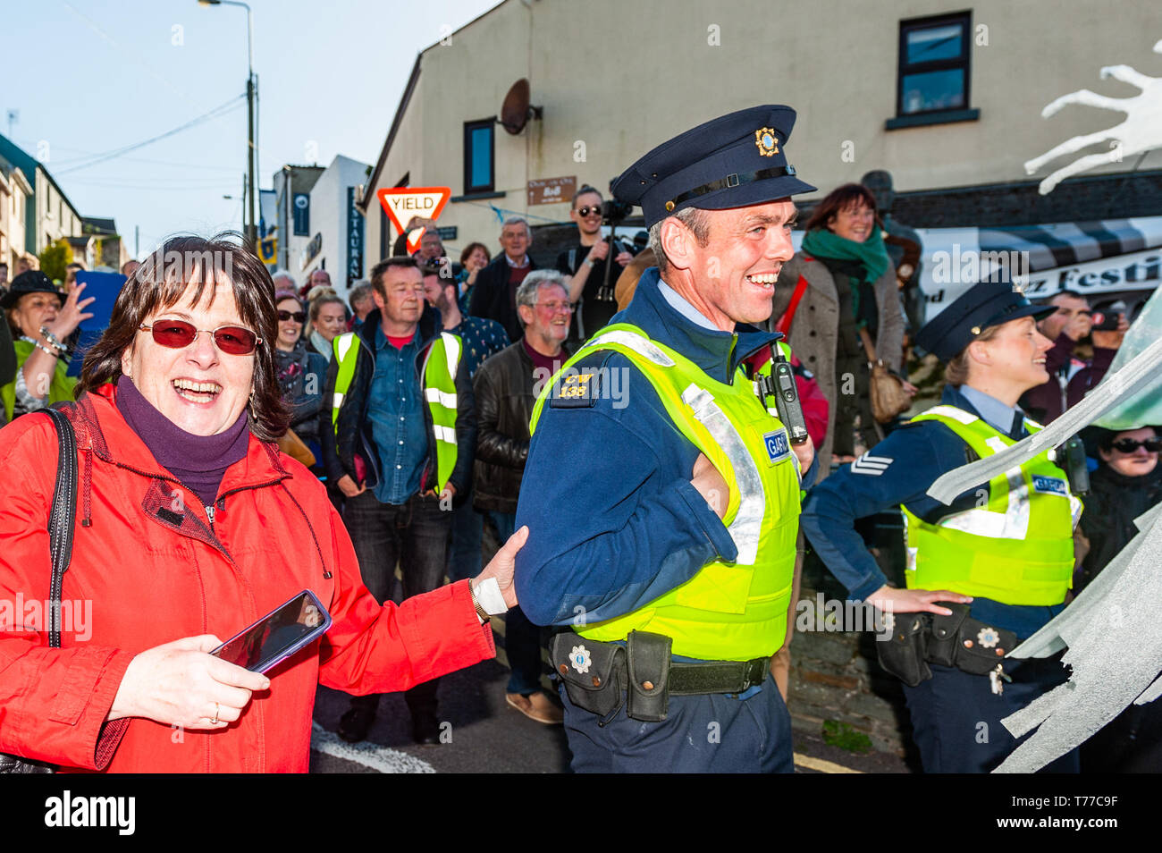 ballydehob-west-cork-ireland-4th-may-2019-the-new-orleans-style-jazz-funeral-took-place-this-evening-as-part-of-the-annual-ballydehob-jazz-festival-the-local-gardai-appeared-to-be-enjoying-the-parade-credit-andy-gibsonalamy-live-news-T77C9F.jpg