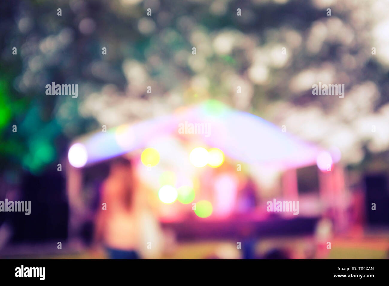 defocused-marquee-with-lights-in-the-eve