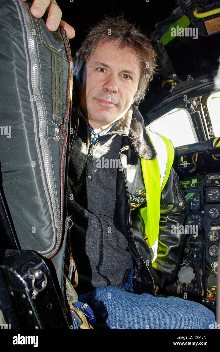 bruce-dickinson-iron-maiden-vocalist-singer-and-pilot-in-the-cockpit-of-an-ex-military-avro-vulcan-jet-bomber-plane-historic-cold-war-bomber-T9MENJ.jpg