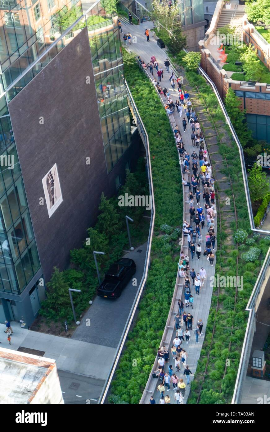 The high line, urban park redeveloped from an abandoned elevated rail line in Chelsea, Manhattan New york city, NY / USA Stock Photo
