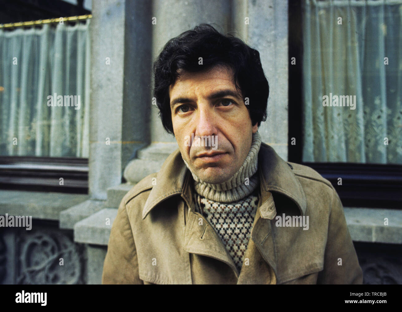 A portrait of Leonard Cohen in April 1972 in Amsterdam, Netherlands. (Photo by Gijsbert Hanekroot) Stock Photo