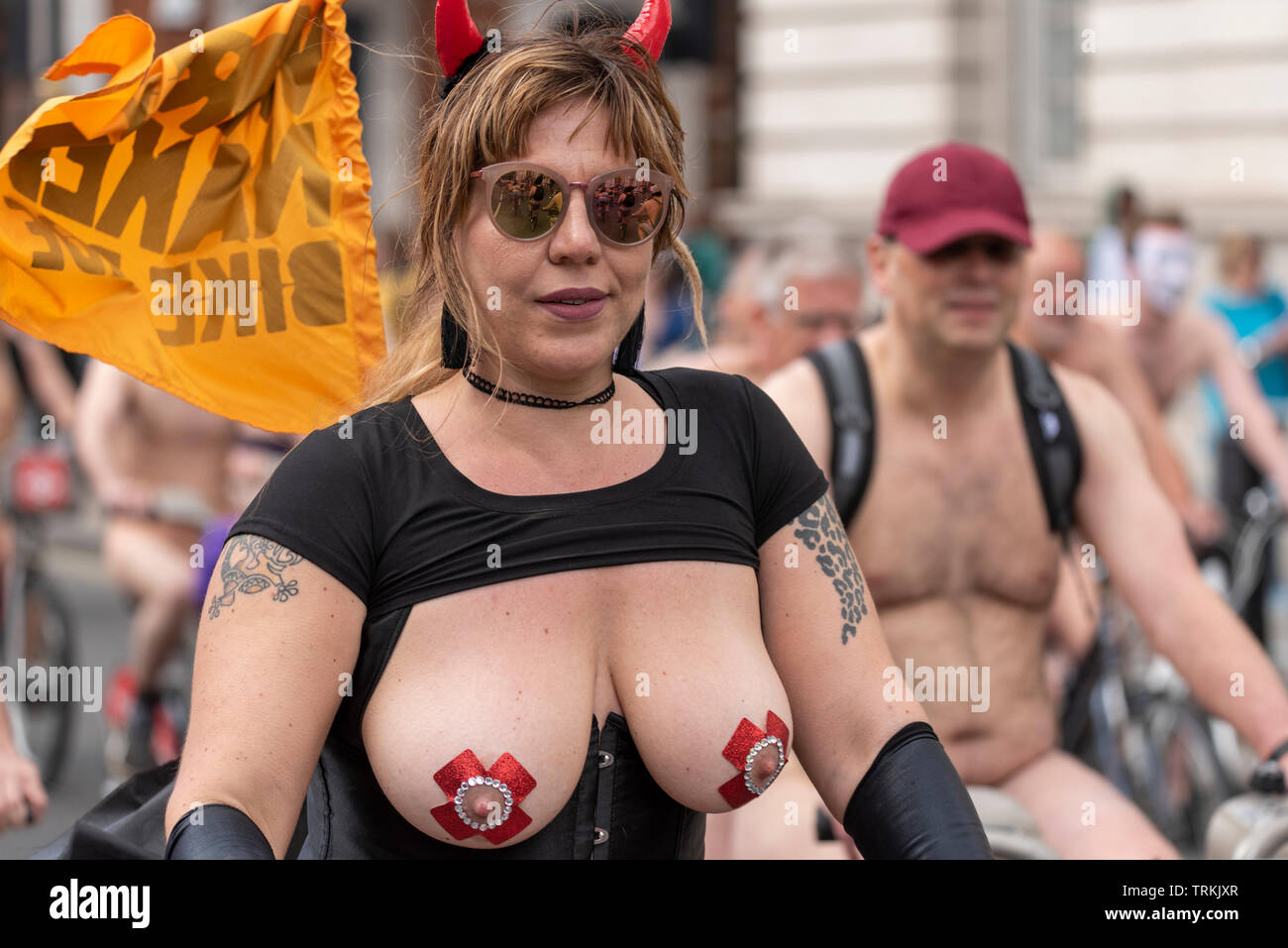 world-naked-bike-ride-london-uk-part-of-global-protest-movement-with-rides-in-cities-around-the-world-raising-awareness-of-issues-such-as-safety-of-cyclists-on-the-road-reducing-oil-dependence-and-saving-the-planet-in-a-carnival-atmosphere-riders-are-encouraged-to-wear-body-paint-and-costumes-rather-than-being-overtly-naked-TRKJXR.jpg