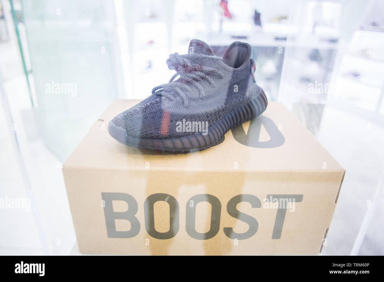 release-of-adidas-yeezy-boost-350v2-blac