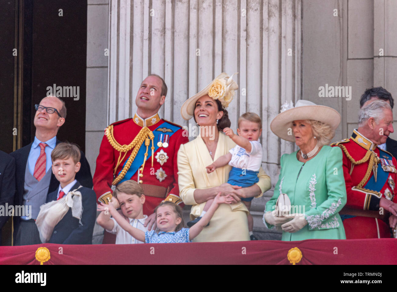 royal-family-watching-the-queens-birthday-flypast-from-the-balcony-of-buckingham-palace-london-uk-after-trooping-the-colour-2019-prince-louis-TRMNDJ.jpg