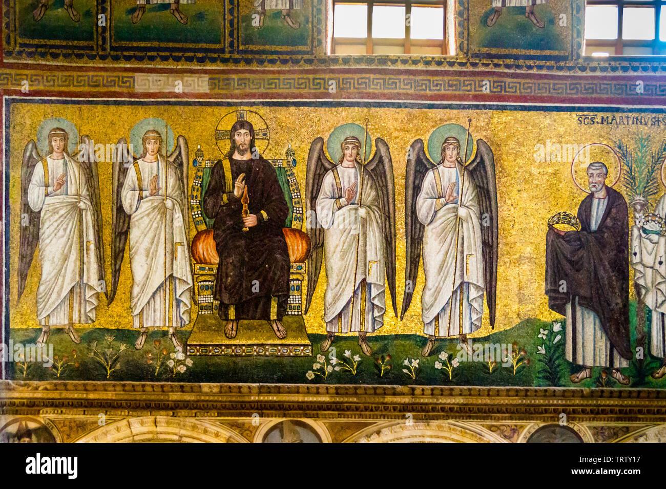 Mosaics of Christ and vanguard angels, church of Sant'Apollinare Nuovo, c 500AD, Ravenna, Emilia-Romagna, Italy Stock Photo