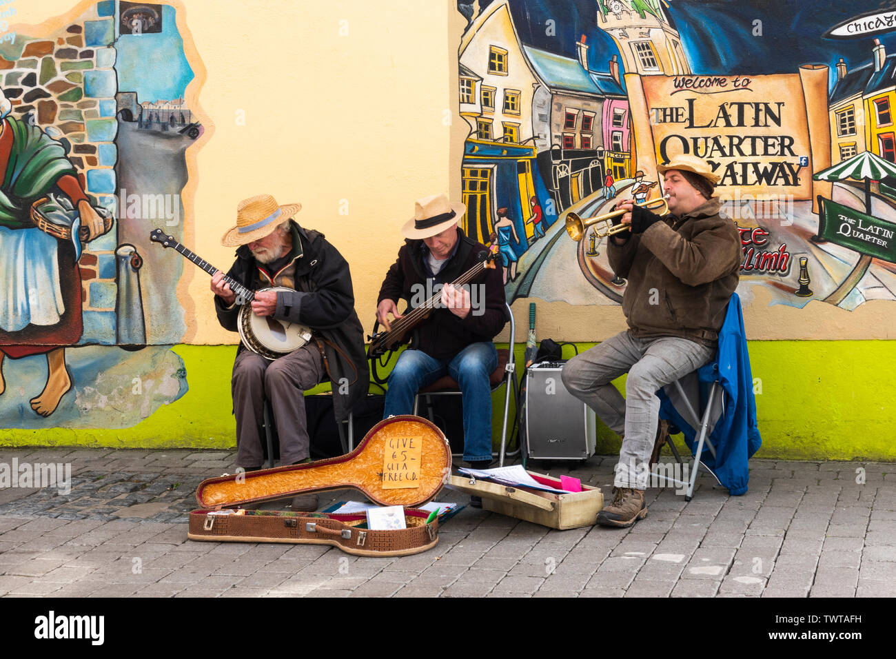 a-trio-of-irish-buskers-playing-new-orle