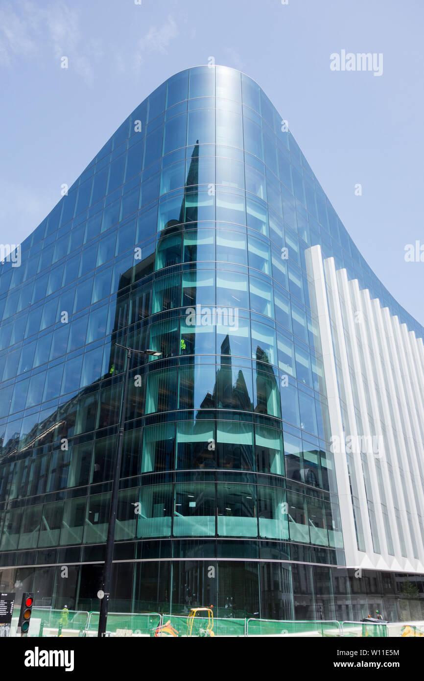 Goldman Sachs' Plumtree Court European headquarters building on Stonecutter Street, City of London, UK Stock Photo
