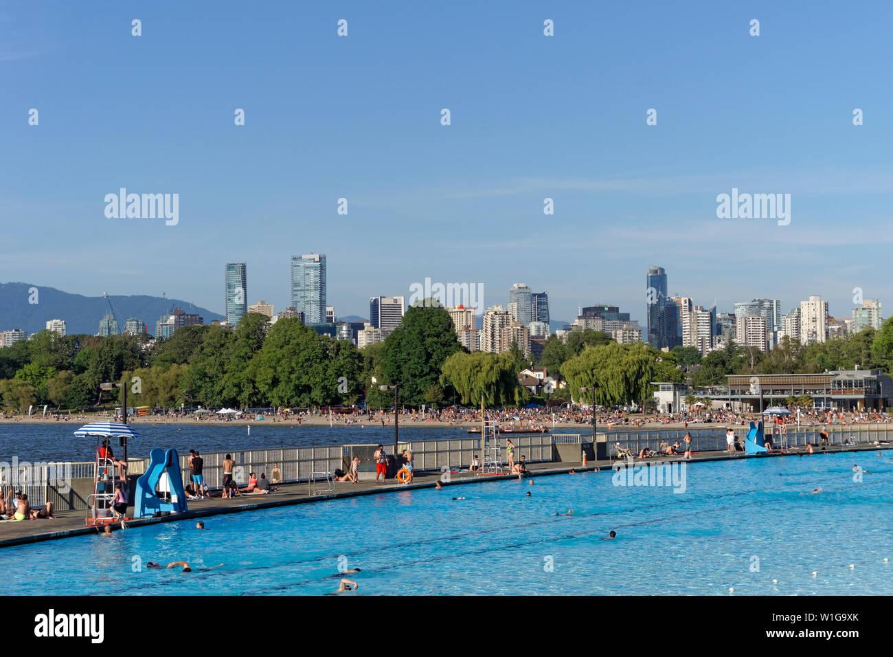 people-swimming-at-kitsilano-pool-on-eng