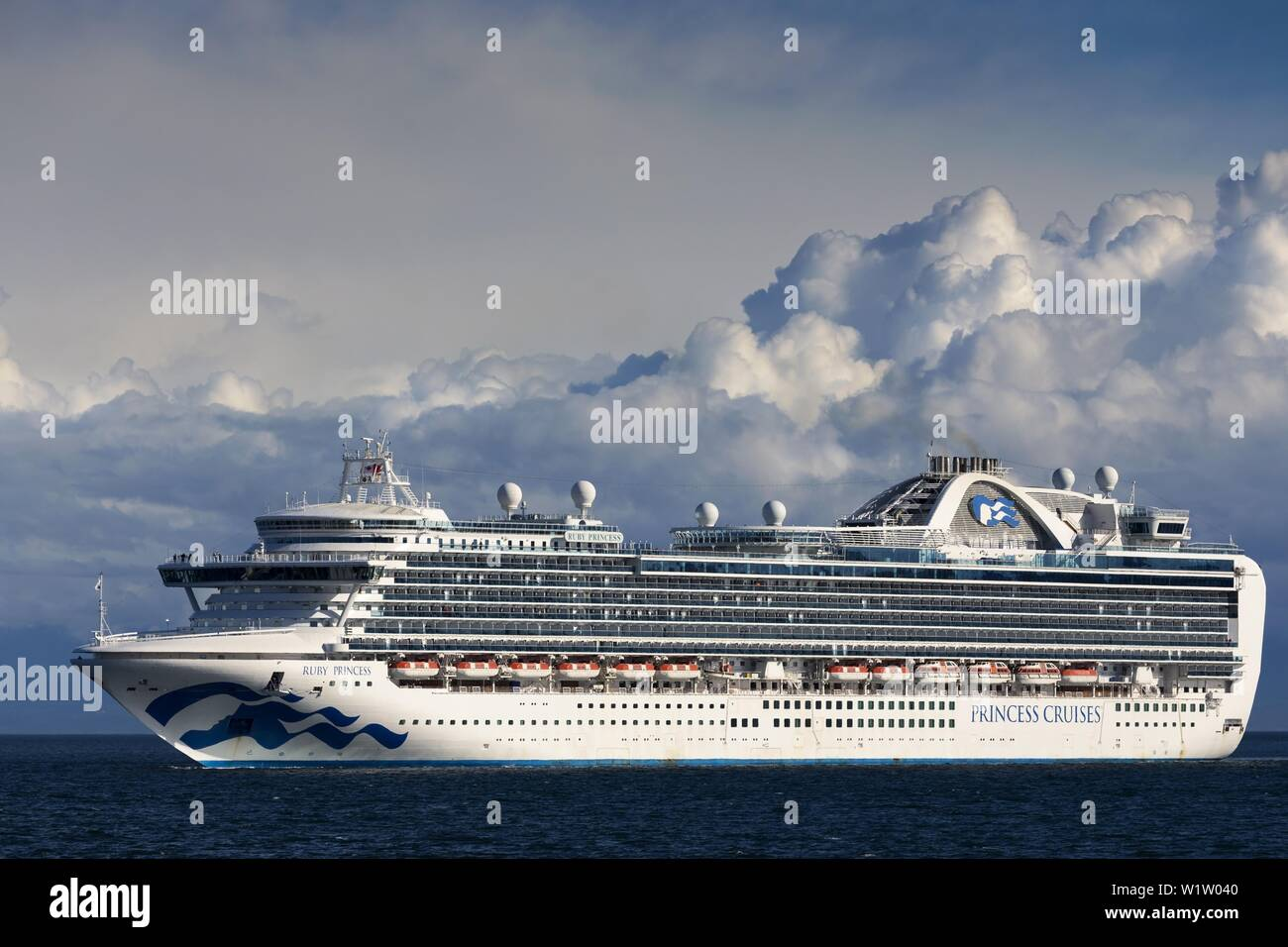 princess-cruises-big-white-luxury-cruise