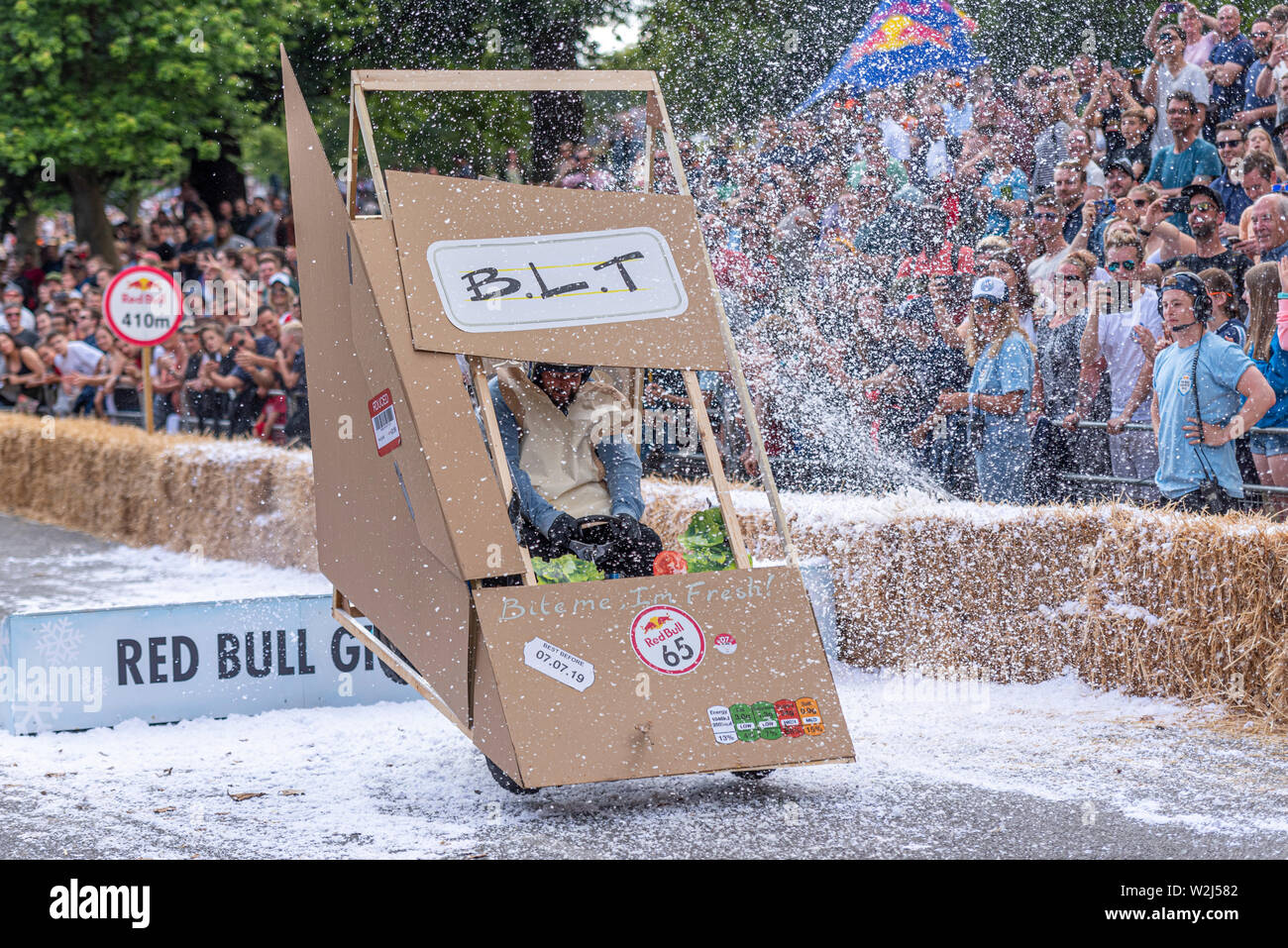 blt-sandwich-pack-competing-in-the-red-bull-soapbox-race-2019-at-alexandra-park-london-uk-jumping-over-ramp-with-people-W2J582.jpg