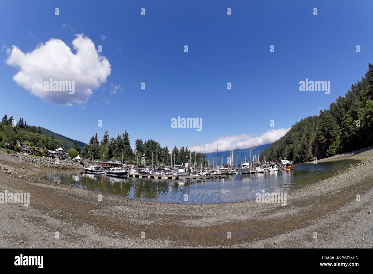 fisheye-view-of-pleasure-boats-docked-at