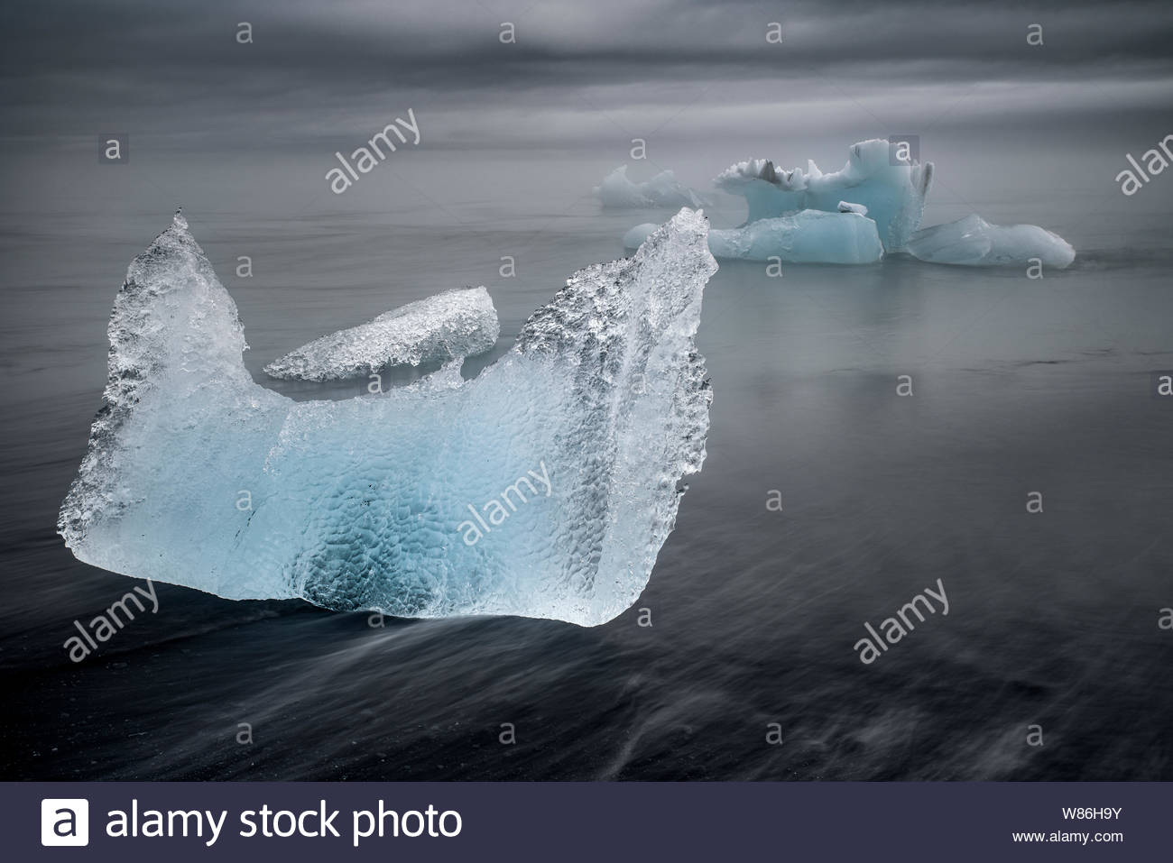 iceland-ice-chunks-from-jkulsrln-glacial