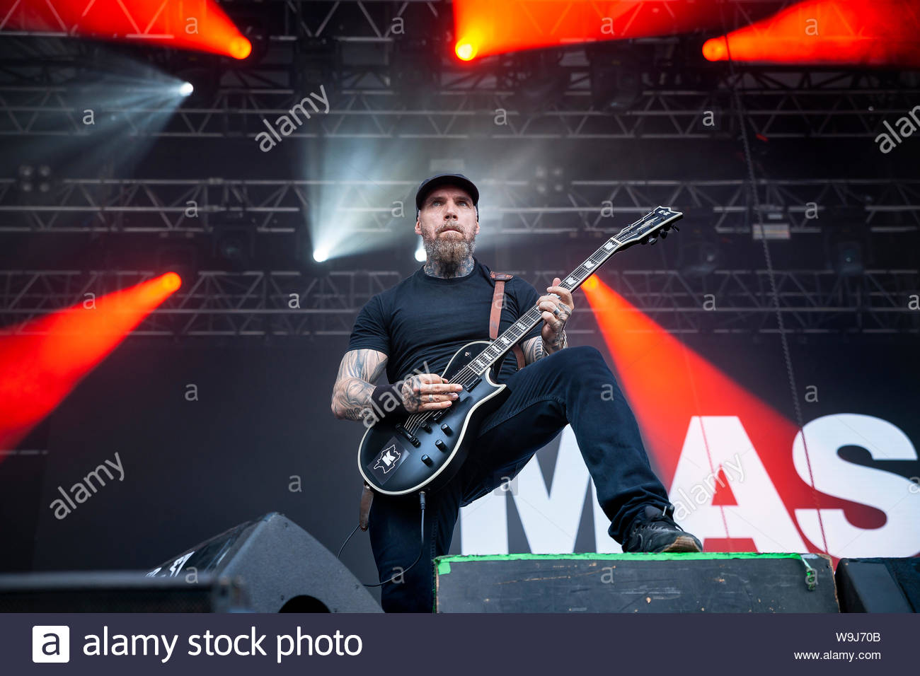 mass-hysteria-performing-live-in-2019-ya