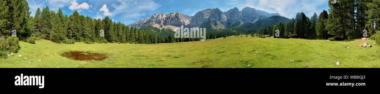 panoramic-view-of-sierra-del-cad-mountai
