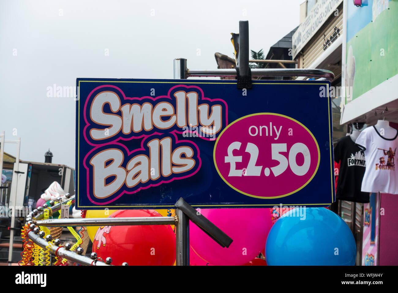 sign-outside-shop-selling-seaside-novelties-bridlington-east-yorkshire-2019-WFJW4Y.jpg
