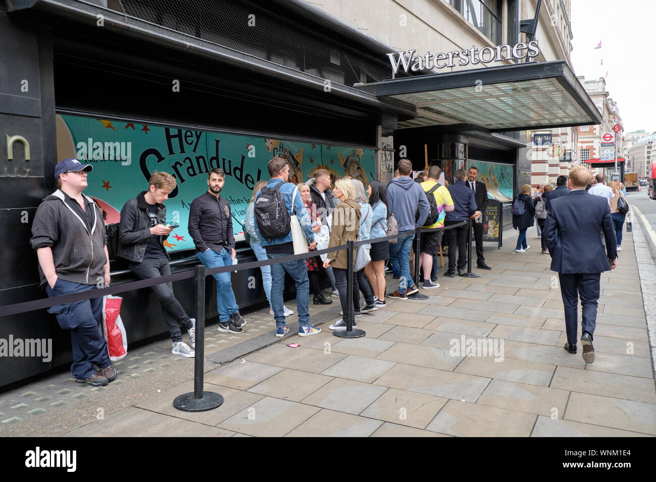 London, England, UK. September 6th, 2019. Signing event of Sir Paul McCartney's book Hey Grandude! at Waterstones in London. Fans waiting in line from 9am for the 4pm event . Credit: jf pelletier/Alamy Live News Stock Photo