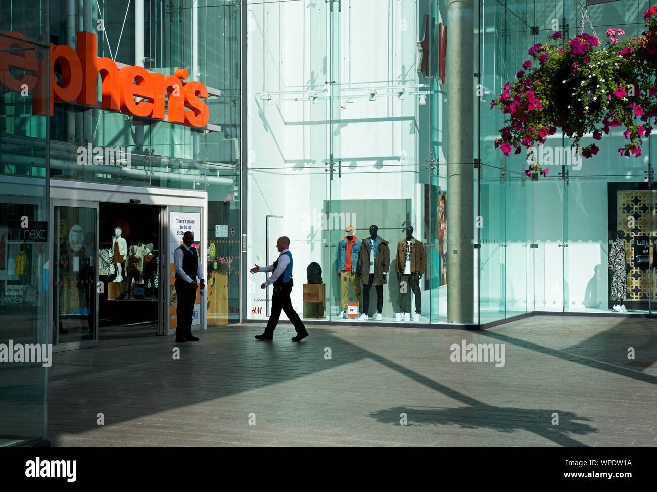 st-stephens-shopping-centre-hull-east-yorkshire-england-uk-WPDW1A.jpg