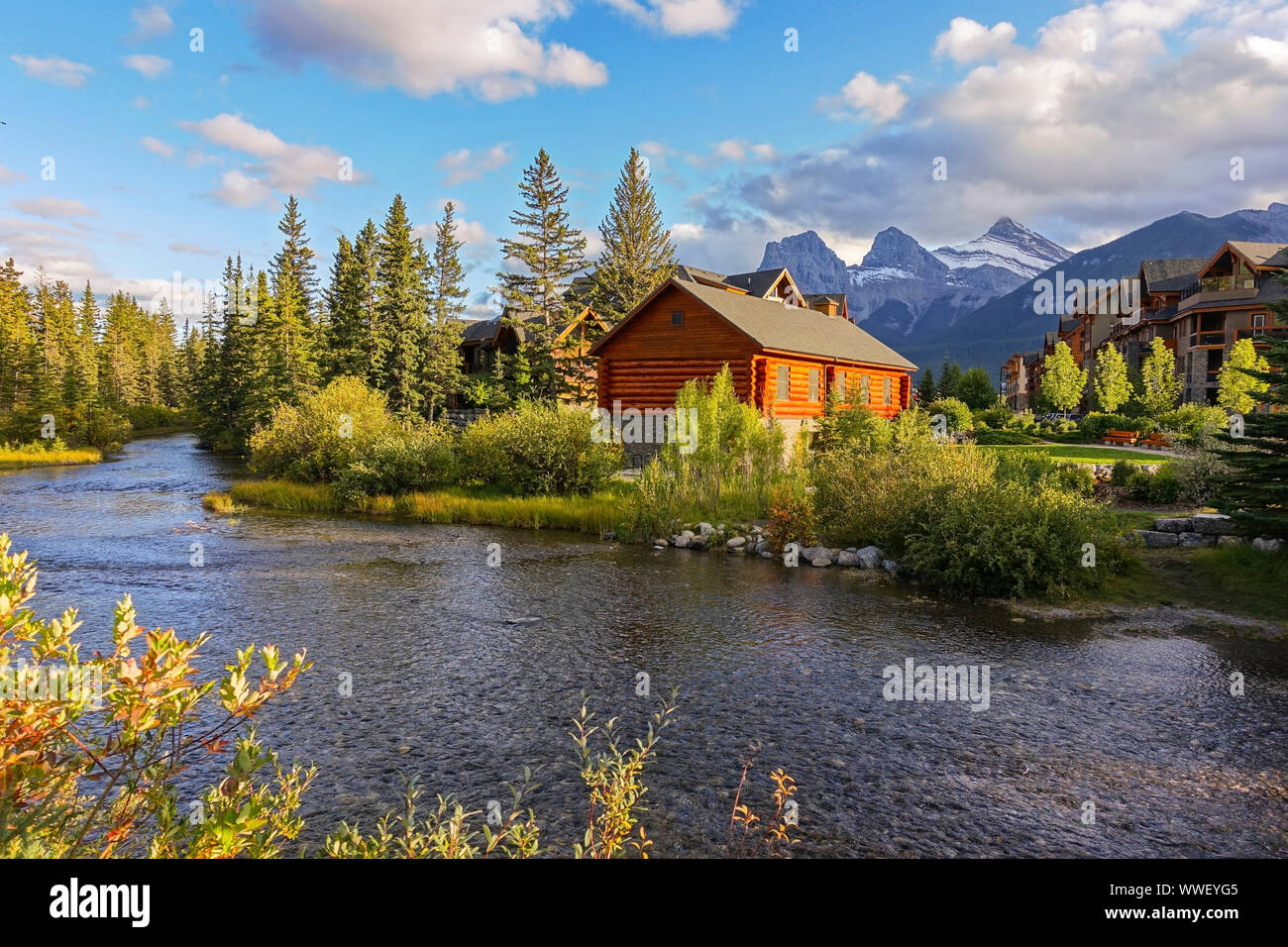 spring-creek-alpine-village-landscape-an