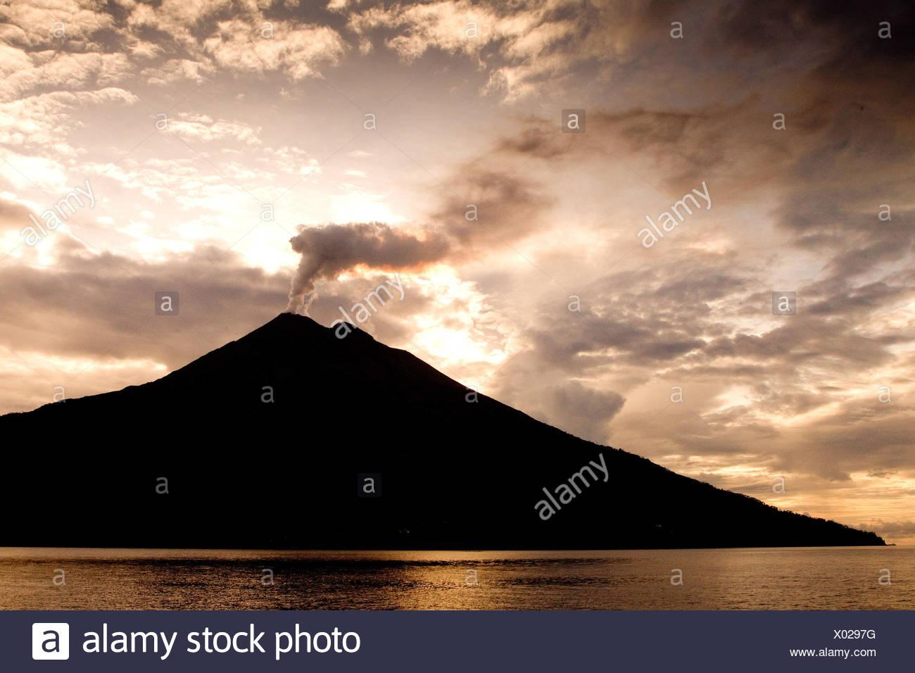 Volcano in morning sun - Stock Image