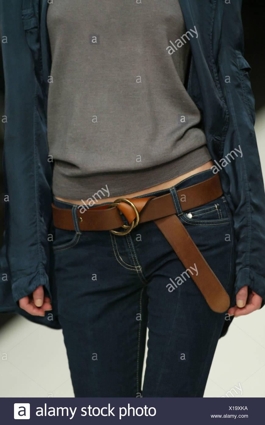 black jeans brown belt