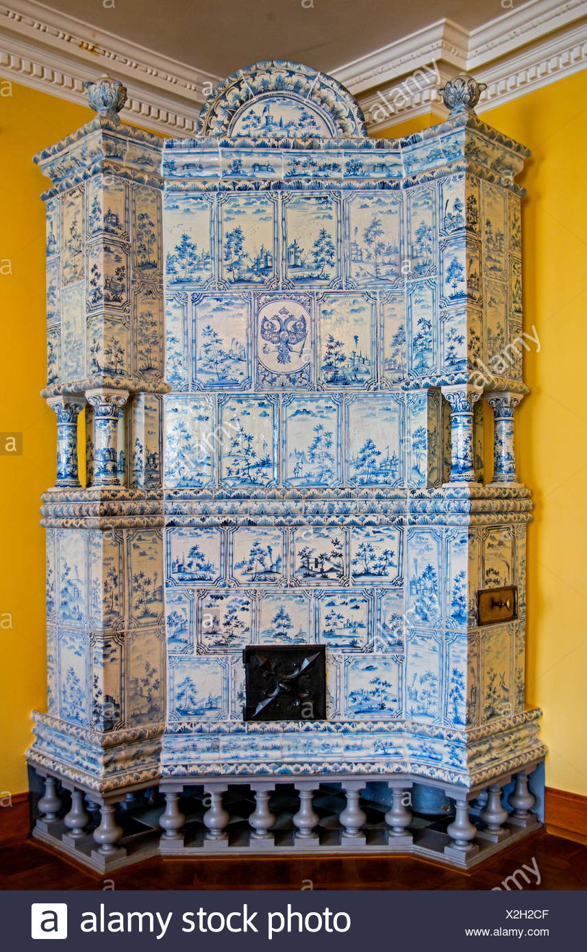 Tiled stove Stock Photo: 276970303 - Alamy