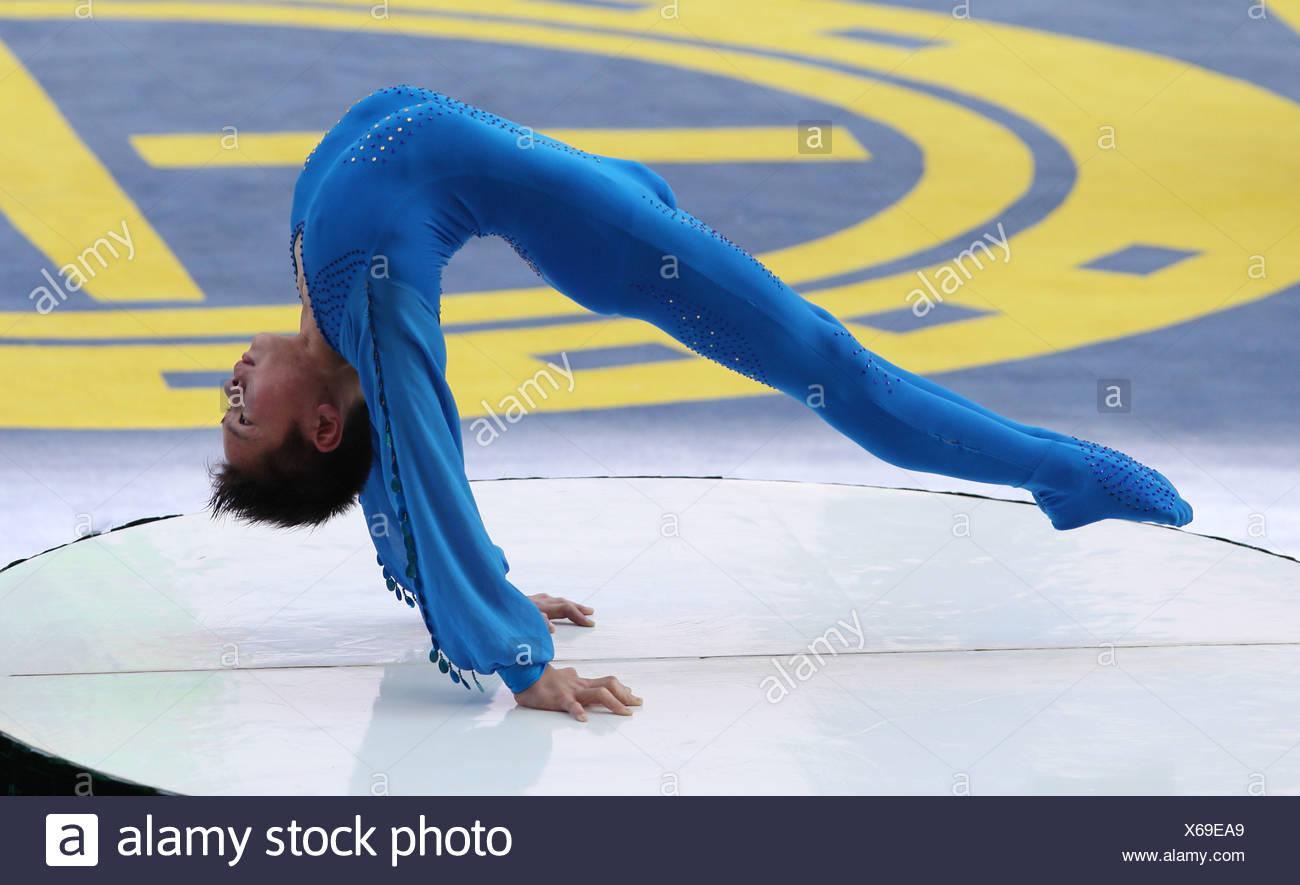 Hong Kong, China, the Turner Cai Young shows his acrobatics - Stock Image