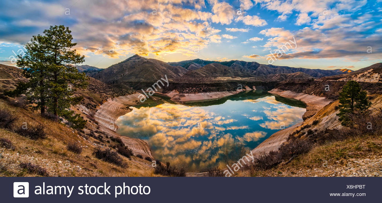 USA, Idaho, Ada, Boise, Lucky Peak, Lucky Peak Reservoir, Heart Shaped lake - Stock Image