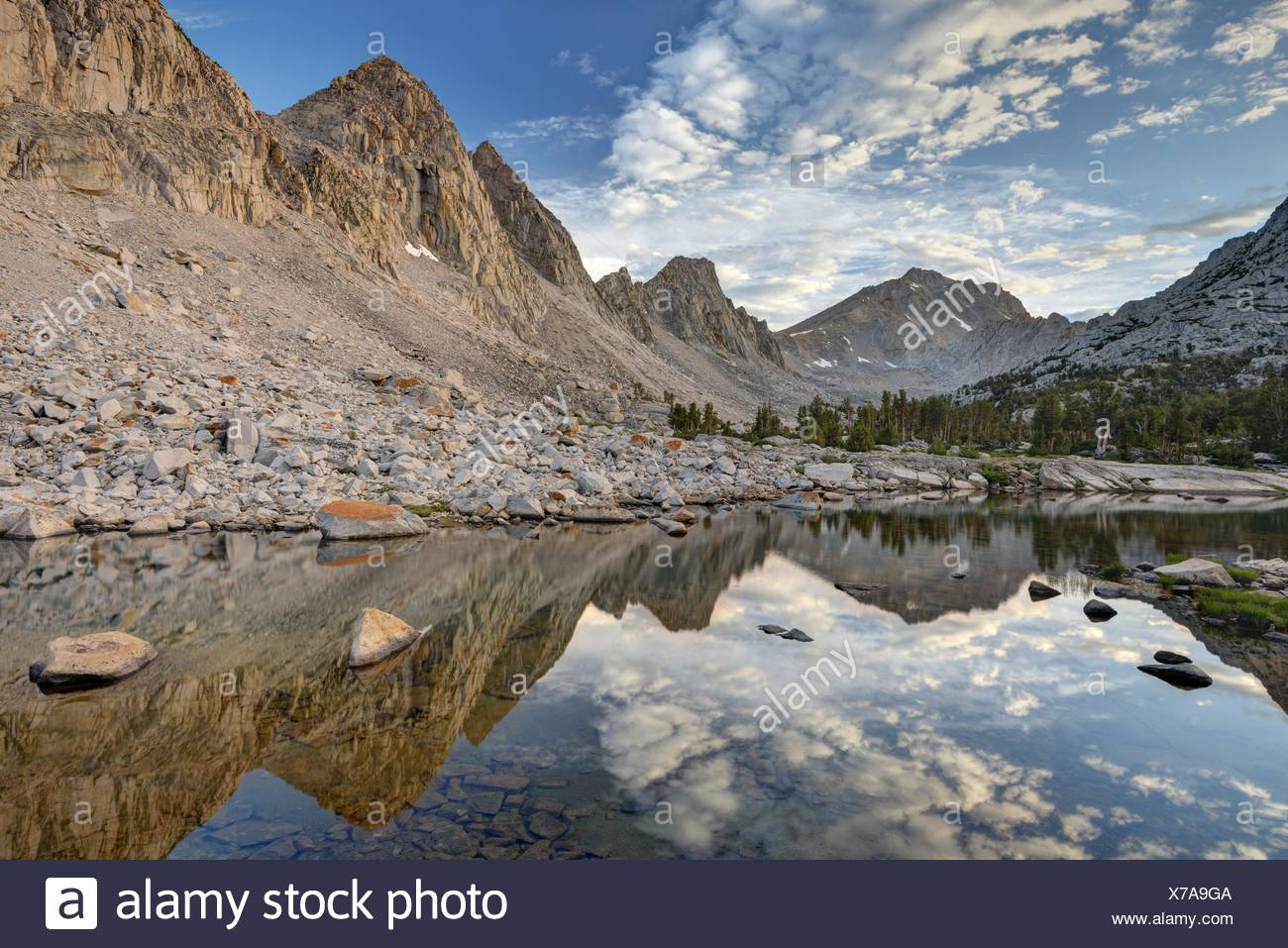 USA, California, Ansel Adams Wilderness Area, Inyo National Forest, Morning Reflections in Kearsarge Lakes - Stock Image