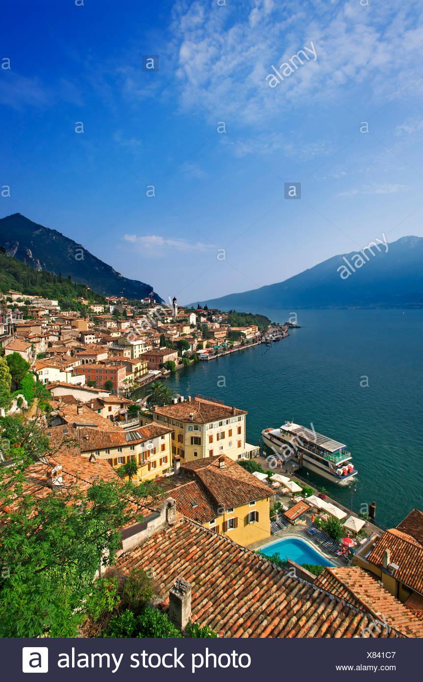 Lake Garda, Italy, lime, cedrat, Lombardy, houses, homes, lake, sea, roofs - Stock Image