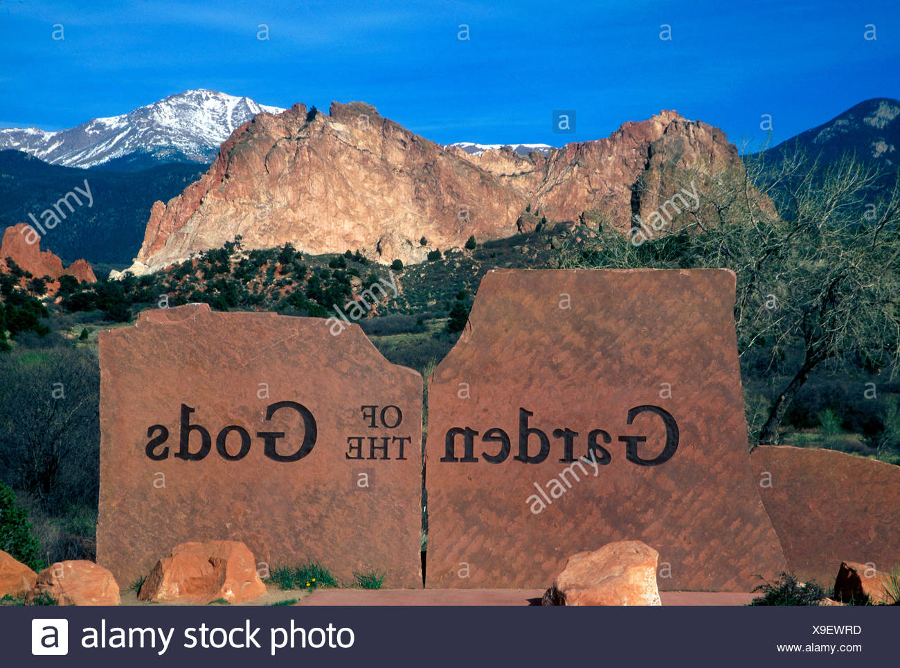 Entrance to the Garden of the Gods Park Stock Photo: 281225377 - Alamy