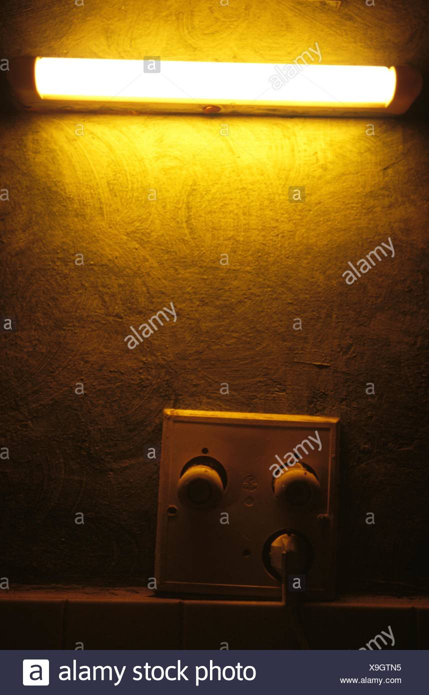 Diode Fuse Box Light Automotive Wiring Diagrams Old Catalog Ceiling 2 Amp Burning Lamp Hangs Over The