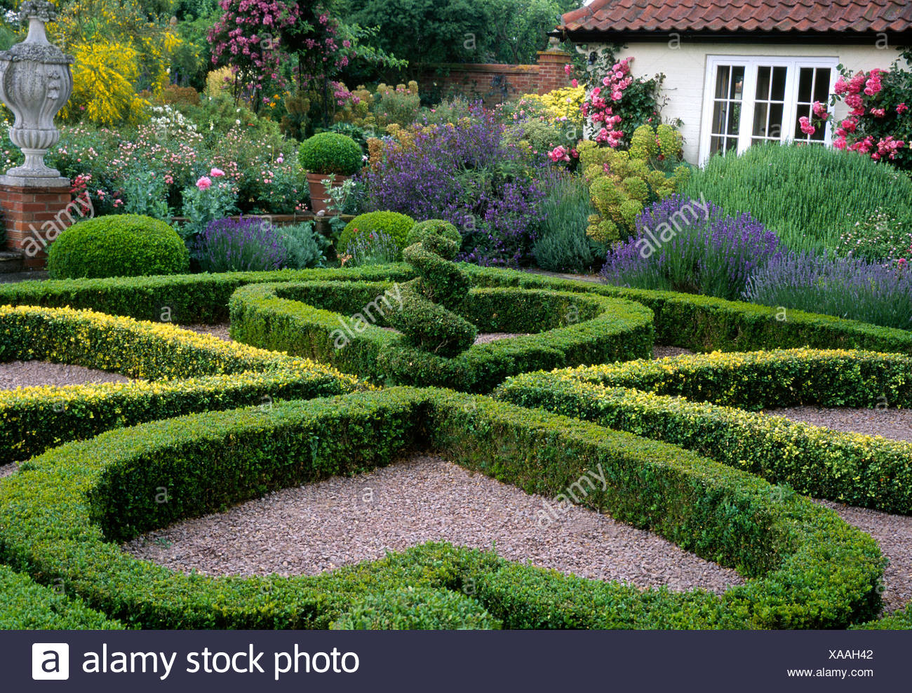 Kettle Hill, Box Hedges Norfolk England English Garden Design Geometric  Parterre Topiary Heart Shaped Hedges