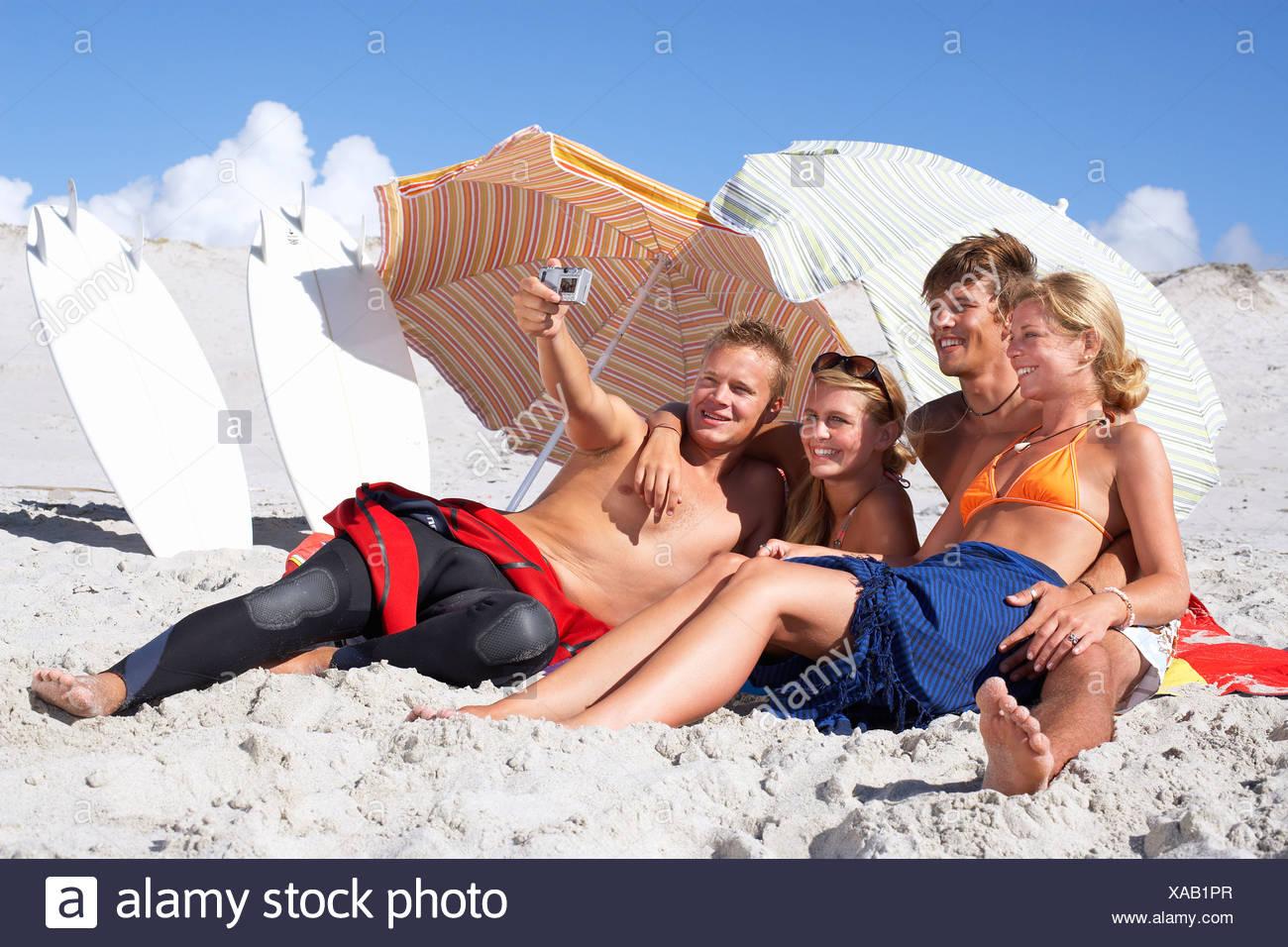 Pics of women in small bikinis