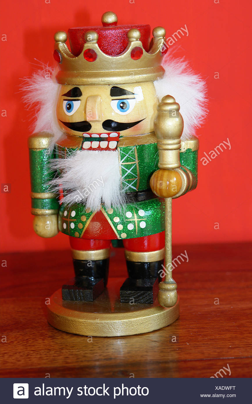 Wood-figure nutcrackers \
