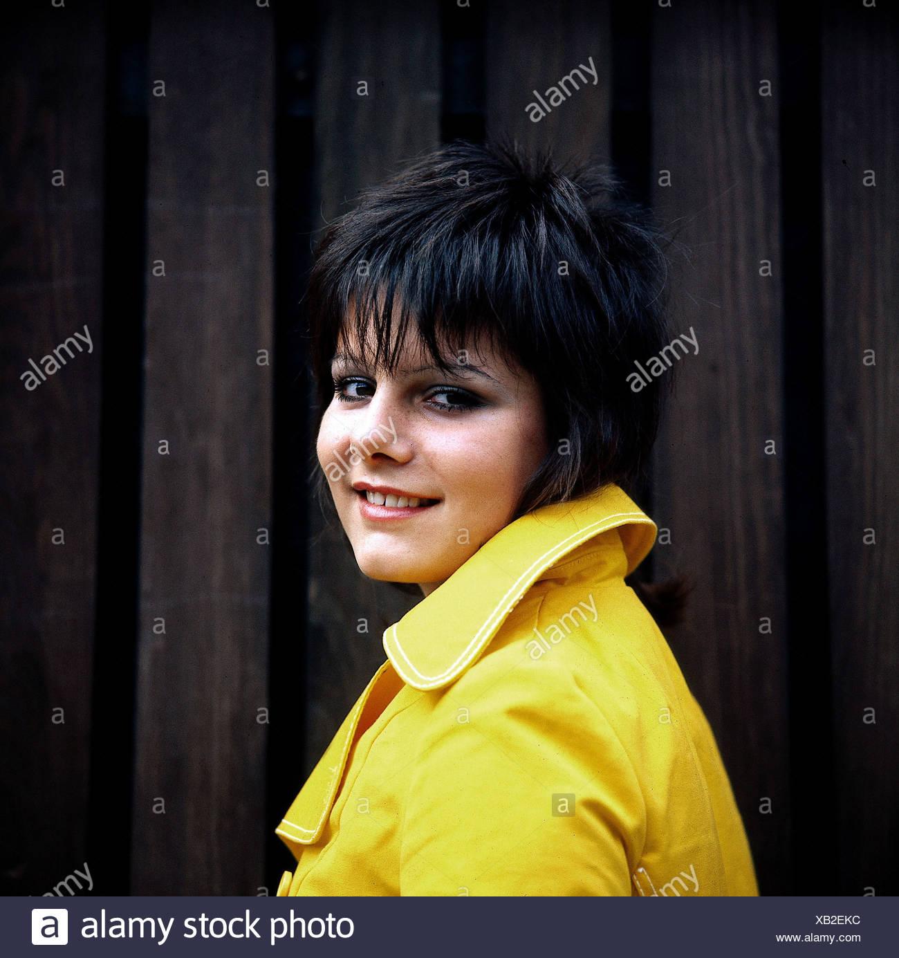 Rosenberg, Marianne, * 10.3.1955, German singer, portrait, 1972, smiling, - Stock Image