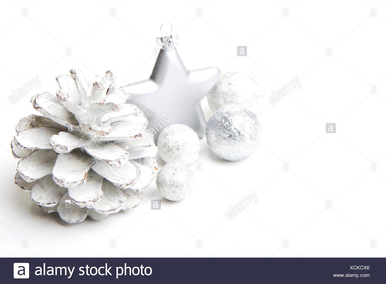 Weihnachten, Dekoration mit Tannenzapfen, Weihnachtsstern silber ...