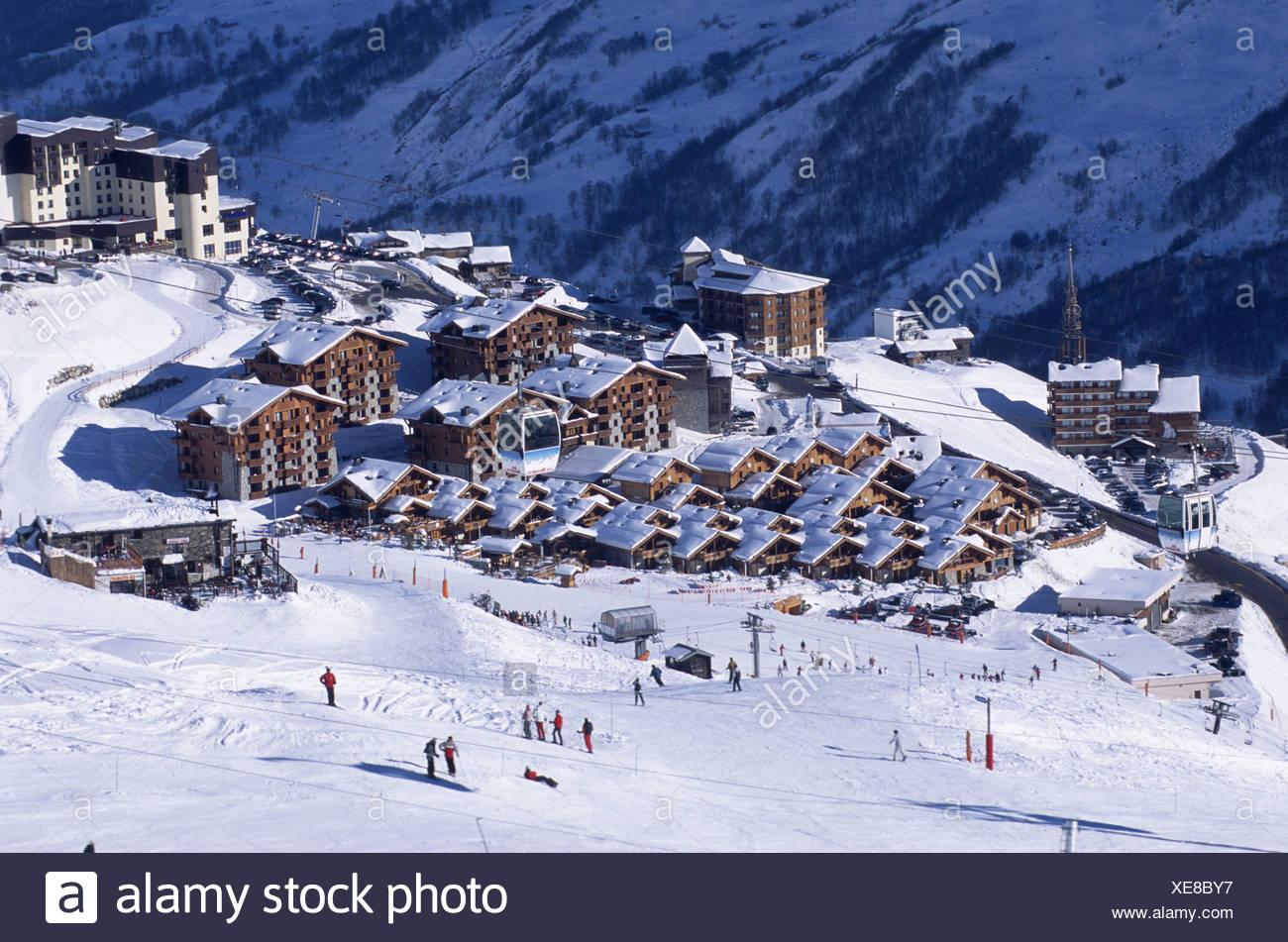 French ski resort Les Mnuires, bird's eye view, France, Rhne-Alpes, Les Mnuires. - Stock Image