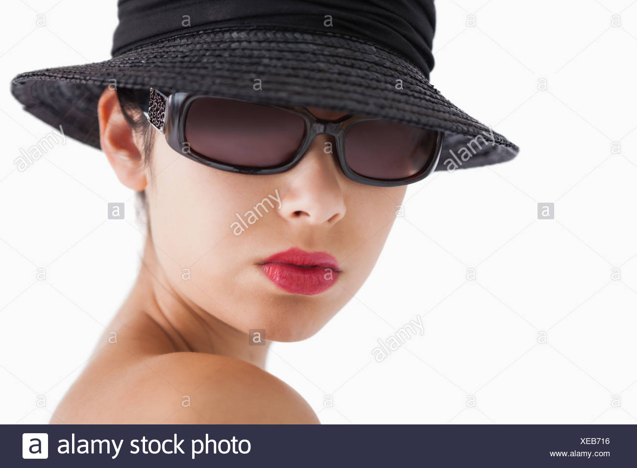 988799915eaa0 Woman wearing sun glasses and hat Stock Photo  284218066 - Alamy